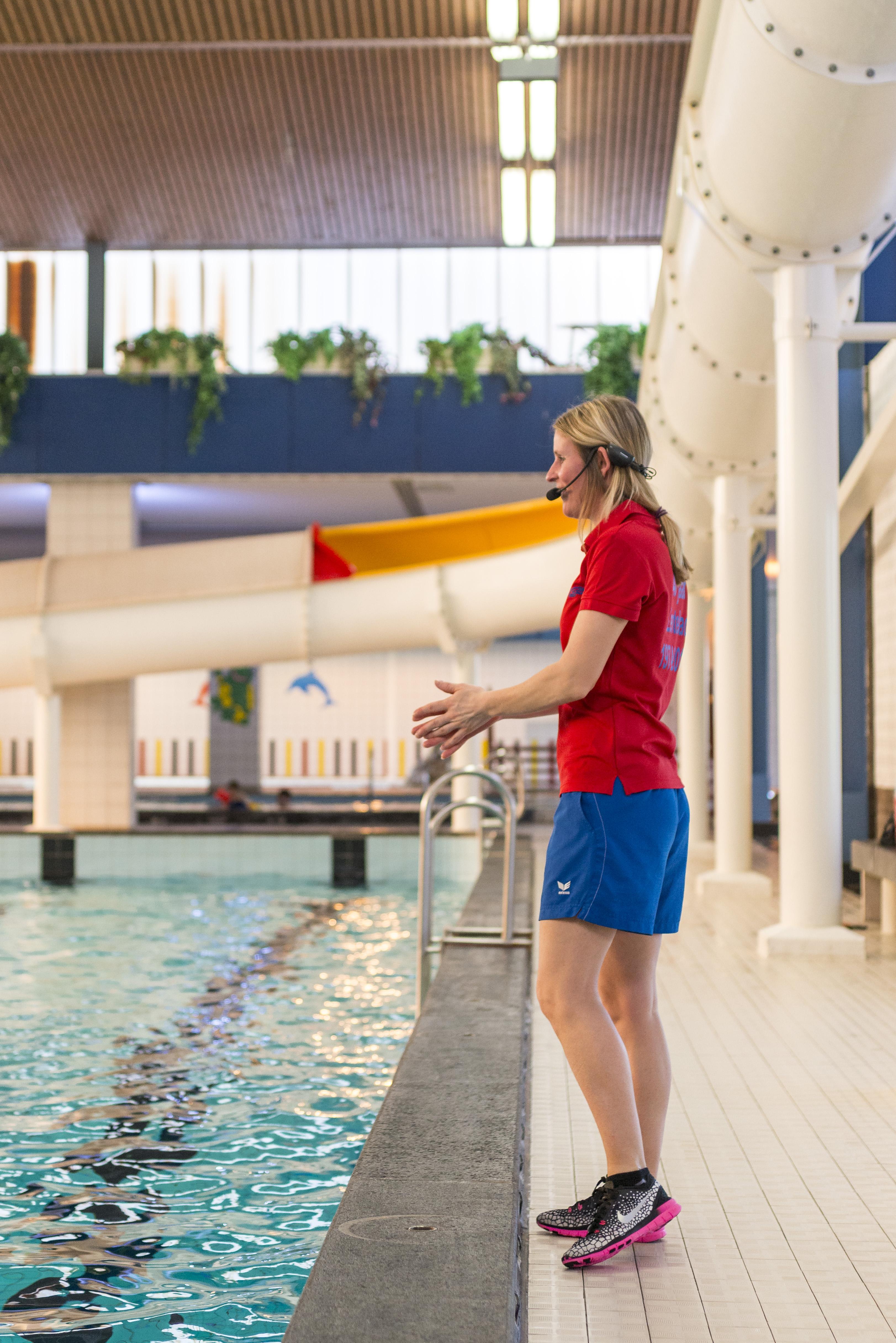 Aquafitness in het lentebad in zevenaar lentebad for Zwembad aanschaffen